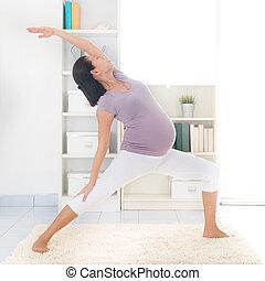 yoga., moderlig