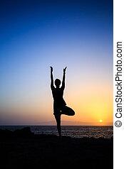 yoga, silueta, mujer, ocaso, ejercitar