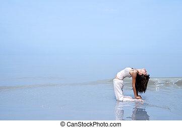 yoga., strand