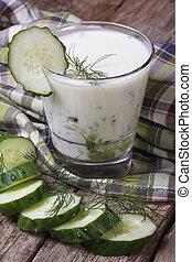yoghurt, dill, gurka, grek