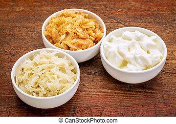 yoghurt, zuurkool, kimchi