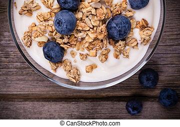 yogur, blueberries., granola