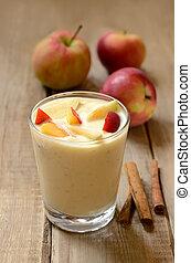 yogurt, com, pedaços, de, maçã, e, pêssego