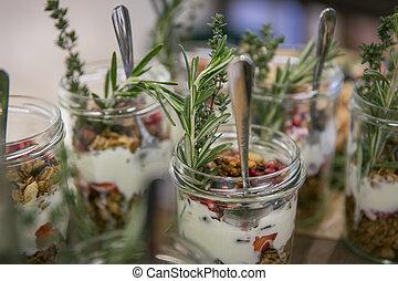 yogurt, granola, cereale, bacche