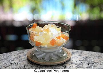 yogurt with fruit salad
