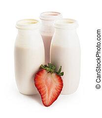 Yogurts and strawberry