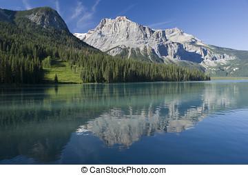 Yoho National Park - Emerald Lake in Yoho National Park with...