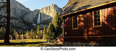 Yosemite Valley Chapel