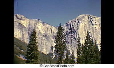 Yosemite Half Dome - Highway to Yosemite NP. Half Dome in...