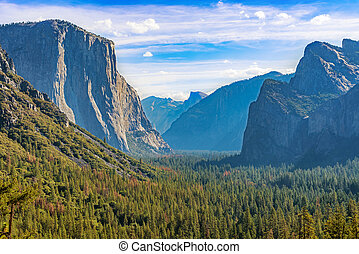 Yosemite National Park tunnel view at the valley.