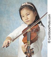 young asian girl played violin