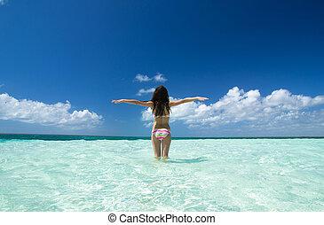 girl on the sea