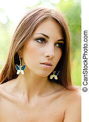 Young beautiful woman outdoor portrait