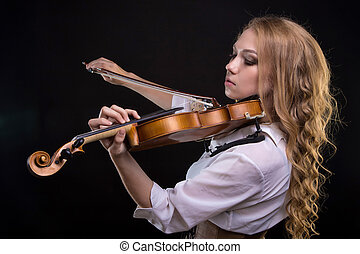 Young blond woman with violin
