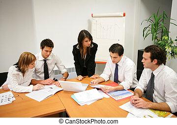 young emberek, alatt, egy, üzleti találkozás