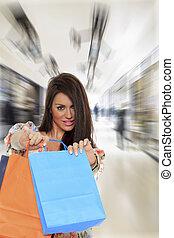 young eny, majetek, shopping ztopit
