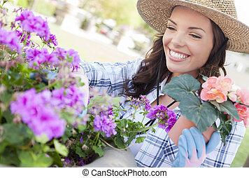 young felnőtt, woman kifáraszt kalap, kertészkedés,...