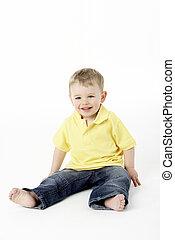 young fiú, ülés, alatt, műterem