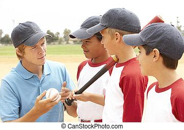 young fiú, alatt, baseball sportcsapat, noha, edző