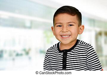 young fiú, -ban, izbogis