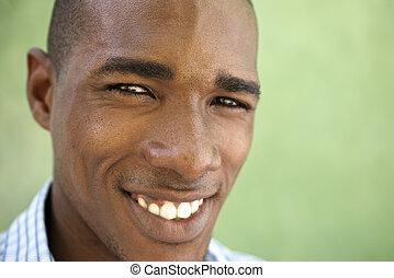 young külső, fényképezőgép, fekete, portré, mosolyog vidám, ember