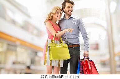 young kuplovat, s, jeden, trs k, shopping ztopit