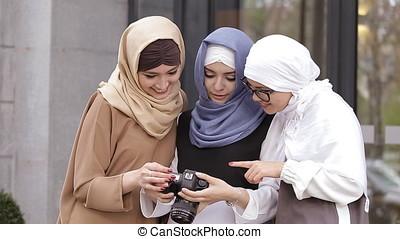 Young Muslim Girl Look Photos.