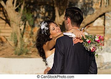 young párosít táncol, a, esküvő, táncol