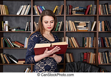 woman in the library