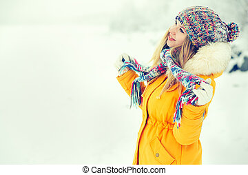 Young Woman Outdoor Winter Lifestyle happiness emotions in...