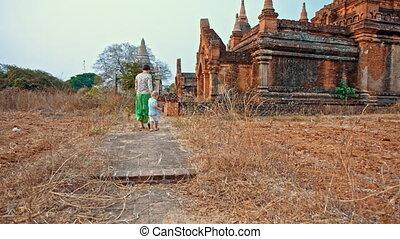 reach the temple