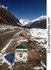 Yumthang milepost