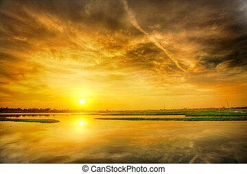 západ slunce, nad, jezero