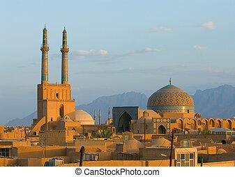 západ slunce, nad, starobylý, město, o, yazd, írán