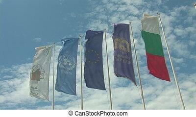 zászlók, 4