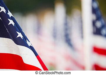 zászlók, bennünket