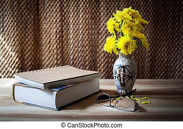 zátiší, kniha, květ