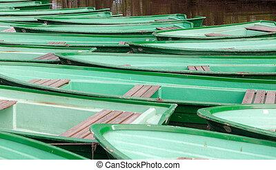 zöld, wooden csónakázik