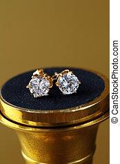 złoty, earrings, stadnina, z, dzwonek