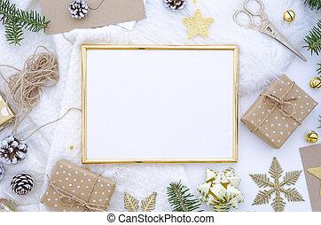 złoty, ułożyć, górny do góry, piłki, drzewo., modny, prospekt., jodła, karta, pieśń, boże narodzenie, kpić, płaski, ręka, dary, kunszt, boks, robiony, dar, ozdoba, powitanie, gwiazda, stożki