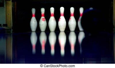 zaświecić, dróżka, piłka, kręgle, ciemny, takty, gra w kule, wały