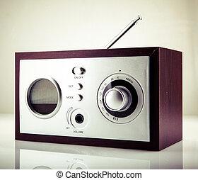 za, rádio