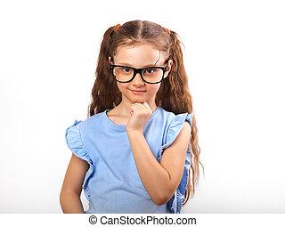 zabawa, grimacing, szczęśliwy, dziewczyna, w, soczewki, myślenie, i, patrząc, odizolowany, na, z, opróżniać, kopia, spase, tło