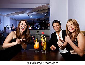 zabawa, grupa, przyjaciele, posiadanie