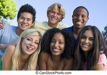 zabawa, przyjaciele, grupa, młody, posiadanie