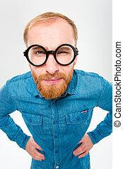 zabawny, okulary, gniewny, młody mężczyzna, okrągły, zabawny...