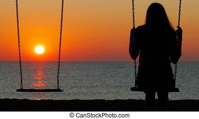zachód słońca, dziewczyna, sylwetka, wahadłowy