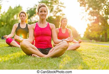 zachód słońca, kobiety, yoga, outdoors