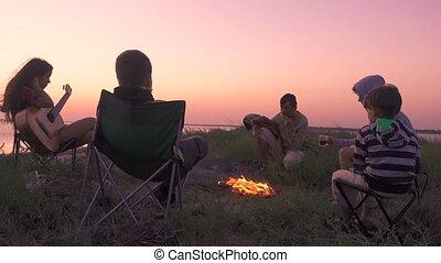 zachód słońca, ludzie, ognisko obozowe, posiedzenie, plaża