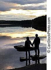 zachód słońca, ludzie, sylwetka, jezioro, oglądając